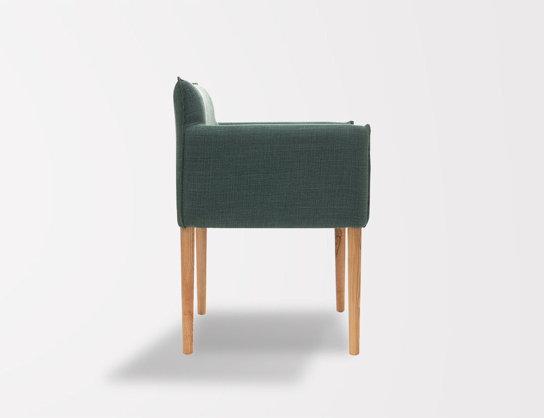 Aries Chair With Round Legs 4